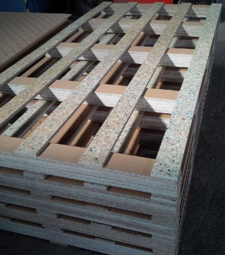 Underlay and transport pallets