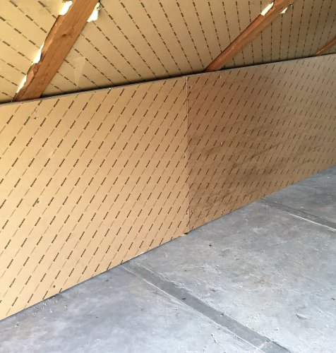 Construction of wooden walls and ceilings